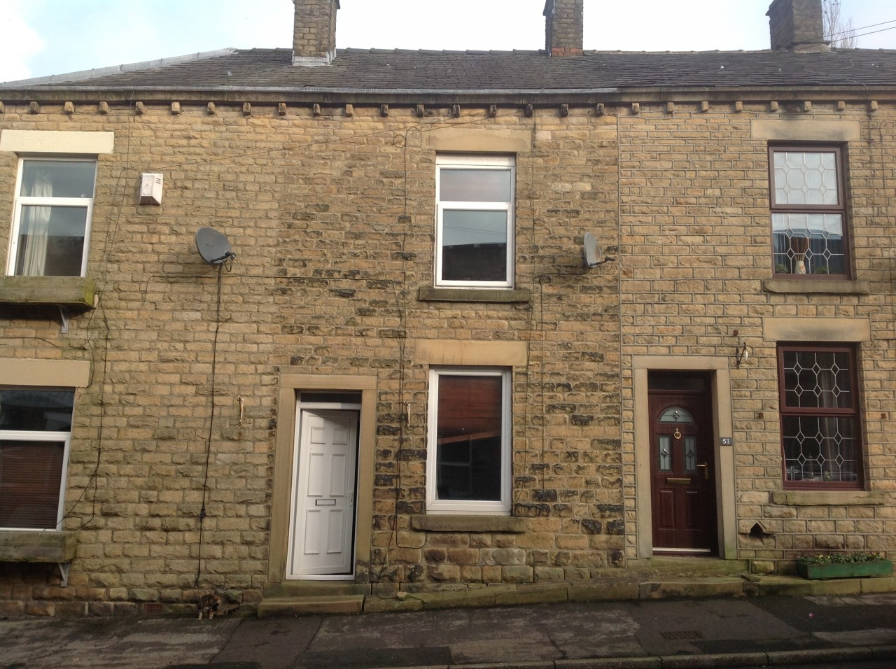 Property To Sell In Glossop And